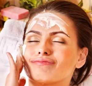 ماسک میوه ای موز تمیز کننده پوست