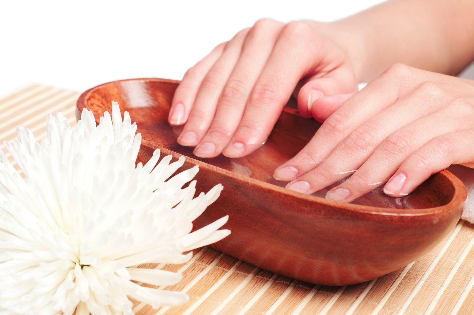 تقویت ناخن ها با گیاهان دارویی