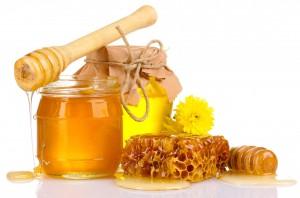 خواص ماسک عسل و دارچین و درمان جوش